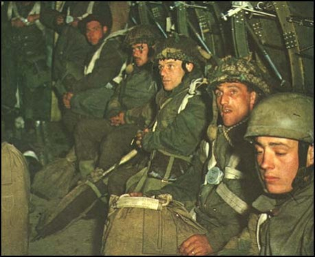 Soldiers waiting to be parachuted in France (6th June, 1944)