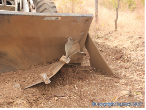 damaged-loader-after-hitting-suspected-mk5-in-moz-no-injuries-possibly-mine-low-ordered